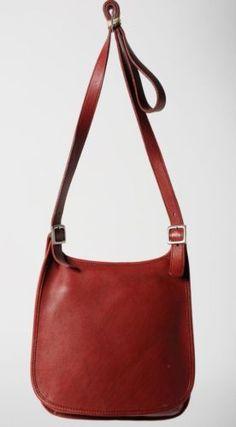 Coach-Red-Leather-Vintage-Messenger-Crossbody-Bag-Purse-9135 #coach #coachpurse #coachbrand #coachaccessories #redleather #leather #leatherpurse #leatherbag #vintage #vintagepurse #vintagebag #messengerbag #crossbodybag #womenspurse #womensbag #ebay #ebayfinds #fashion #retro #goodwill #goodwillebay