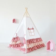 Teepee Tent with frills for kids