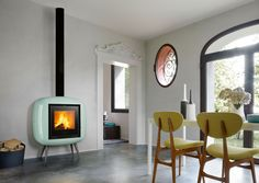 Piazzetta Bonny Wood Burning Stove is a retro wood burner fireplace. The perfect fit for any retro home. Foyers, Portable Electric Fireplace, Wood Burner Fireplace, Wood Pellet Stoves, Stoves Cookers, Wood Pellets, Georgian Homes, Retro Home, Wood Burning