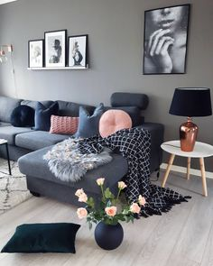 Living Room Inspo The home of Living Room Grey, Living Room Sofa, Home Living Room, Apartment Living, Living Room Furniture, Living Room Designs, Living Room Decor, Blush Pink Living Room, Decor Room