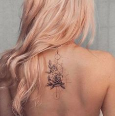 Looking for cute tattoos for girls to spice up your look? Adding ink is a great way to express your #tattoo #backtattoo #tattoos Feminine Back Tattoos, Floral Back Tattoos, Feminine Tattoo Sleeves, Rose Tattoos, Hand Tattoos, Small Tattoos, Feminine Compass Tattoo, Girl Spine Tattoos, Cute Girl Tattoos