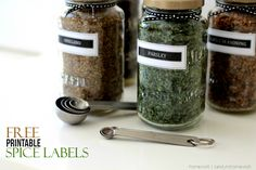 DIY Sauce Jar Upcycle to Spice Jars with Printable Labels - homework (6)