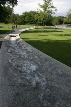 Diana-memorial-fountain - This Day in History: Jul 29, 1981: Prince Charles marries Lady Diana
