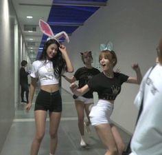 Seolhyun body goalssss Choa and Jimin - wood working Korean Celebrities, Beautiful Celebrities, Celebs, Seolhyun, Kpop Girl Groups, Kpop Girls, Korean Girl, Asian Girl, Jimin Aoa