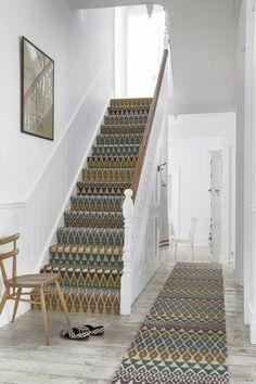 treppenteppich teppichboden idee konfort wohnlich treppenbereich muster