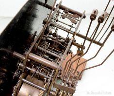 Recambios de relojes: Gustav Becker CA. 1926 funcionando 8 martillos, 3 barriletes, cuartos, medias y horas , ver fotos - Foto 7 - 79299785 Antique Wall Clocks, Clock Repair, Wine Rack, Antiques, Decor, Barrels, Direct Sales, Tights, Quartos