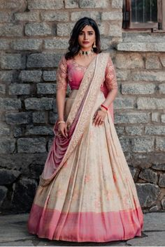 Indian Fashion Dresses, Indian Bridal Outfits, Indian Gowns Dresses, Indian Bridal Fashion, Dress Indian Style, Indian Designer Outfits, Indian Outfits Modern, Mehendi Outfits, Lehenga Saree Design