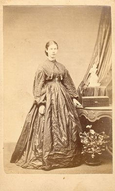 1860's~ patterned bodice and solid skirt. Please note: this is not a cotton combination. This is clearly a wool or silk combination.