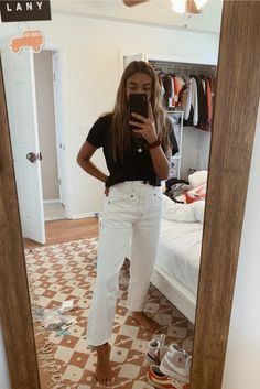 See more of emessanchez's content on VSCO. Casual School Outfits, Teenage Outfits, Cute Casual Outfits, Teen Girl Outfits, Simple Outfits, Mode Outfits, Fashion Outfits, 80s Fashion, Style Fashion
