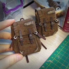 Backpacks for Joel from Last of Us game. Закончила сегодня ещё два рюкзака для Джоела, в этом году последние) #onesixthscale