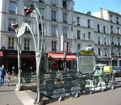 Paris, Métropolitain, Entrée de la station Couronnes, arch. Hector Guimard