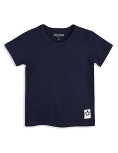 Camiseta, de manga corta, de Mini Rodini. Material: 95% Algodón orgánico 5% elastano.