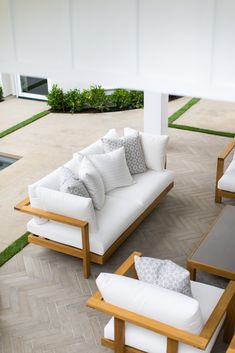 A Gorgeous Newport Beach Home Designed for a Family of Five Diy Furniture Couch, Outdoor Furniture Plans, Wood Pallet Furniture, Furniture Styles, Furniture Design, Outdoor Sofa, Wooden Sofa Set Designs, Wood Table Design, Patio Design