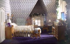 Dollhouse Number 4 - The Glenn Croft - master bedroom