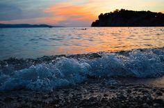 Tu, #natura, sei la mia dea; alle tue leggi si legano i miei servizi - Thou, #nature, art my goddess; to thy laws my services are bound - Carl Friedrich Gauss -   Giardini d'Amore liqueurs are for sale on www.giardinidamore.com  #giardinidamore #sentiremediterraneo #feelmediterranean #volgoitalia #volgosapori #mixology #italiaintavola #f52gram #f52grams #beautifulcuisines #landscape #mothernature #sea #waves