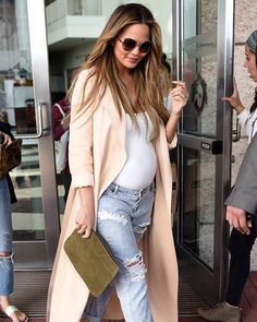 Chrissy Teigen's pregnancy style is ON POINT