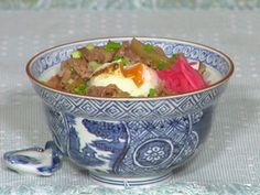 How to Make Gyudon (Beef Rice Bowl Recipe) 牛丼 作り方レシピ Entree Recipes, Asian Recipes, Cooking Recipes, Healthy Recipes, Japanese Recipes, Healthy Food, Beef Rice Bowl Recipe, Pot Recipe, Gyudon