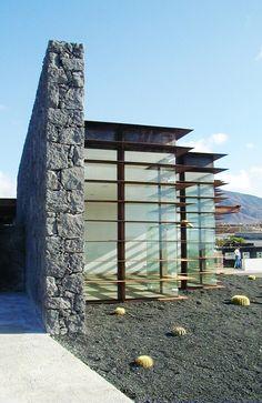 Hotel Las Coloradas en la isla de Lanzarote. Islas Canarias.