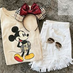 Disney Outfits, Happy Saturday, Disney Style, Disney Parks, Champagne, Rabbit, Summer Outfits, Spring Summer, Photo And Video