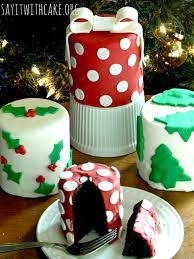 Resultado de imagem para christmas mini cakes