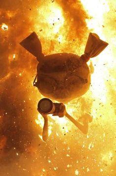Un ninot que forma parte de la Falla de la Plaza del Ayuntamiento, en el momento de arder durante la Cremá celebrada el 19 de marzo, y que pone fin a las Fallas 2013.