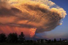 Fotostrecken - Wetter Bilder und Fotos - WetterOnline Die riesige Aschewolke über dem Berg erreicht eine Höhe von 10 bis 20 Kilometer. Bild: dpa