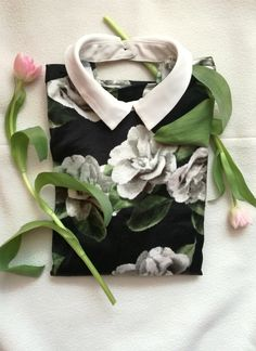 T-shirt. Blouse. Flowers. Tulips. Recycling. Second-hand. River Island