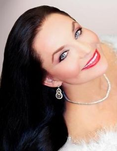 Crystal Gayle , country music star, sister of Loretta Lynn/ Google