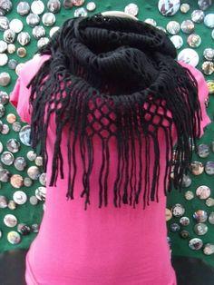 Gola de Lã Preta R$ 39,00  www.elo7.com.br/dixiearte