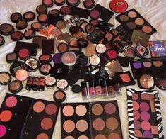 Imagem de makeup, lipstick, and make up Makeup Geek Eyeshadow, Drugstore Makeup, Makeup Brushes, Makeup Lipstick, Pretty Makeup, Love Makeup, Beauty Makeup, Kiss Makeup, Hair Makeup