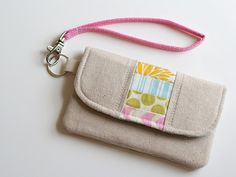 {lbg studio}: easy wrist strap tutorial Best method I've seen yet! And love the wallet by Michelle Patterns. Bag Patterns To Sew, Sewing Patterns, Modern Sewing Projects, Diy Pochette, Diy Sac, Diy Couture, Craft Bags, Tote Purse, Coach Clutch
