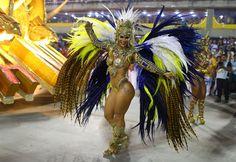 Veja as imagens do segundo dias de desfiles de Carnaval de algumas das melhores escolas de samba do Brasil, no Sambódromo, Rio de Janeiro.