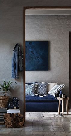 reading nook with bold blue tones