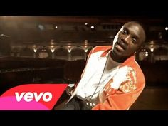 vai :Akon - Lonely Music video by Akon performing Lonely. (C) 2005 SRC Records Inc. Universal Records A Division Of UMG Recordings Inc. Music Is Life, Live Music, New Music, Best Songs, Love Songs, Its Goin Down, My Wife And Kids, Song Words, Vida Real