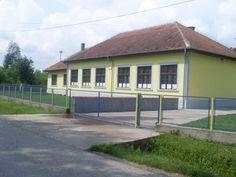 Obnova stolarije na školi Meša Selimović u Modranu