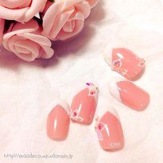 #カラードレス にもピッタリ #ブライダルネイル#nail #nails #gelnail #nailchip #nailart #flower #french #pink #white #wedding #bridal #kawaii #ネイル #ジェルネイル #ネイルチップ #ネイルアート #フラワー #花 #フレンチ #ピンク #ホワイト #ウエディング #ブライダル #ENisI