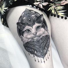 Tatoueur suédois, Niki Norberg attire une clientèle branchée grâce à ses créations d'une grande finesse et d'une technique impressionnante !