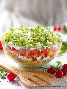 Warstwowa sałatka gyros Lean Meals, Appetisers, Guacamole, Salad Recipes, Grilling, Salads, Tacos, Food Porn, Mexican