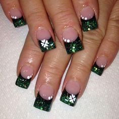 All these nail designs and styles are as easy as they are awesome. For those who are continuously looking for options and new designs, nail art designs are a great way to demonstrate your character and also to be original. Fancy Nails, Love Nails, Pretty Nails, My Nails, St Patricks Nail Designs, Irish Nails, St Patricks Day Nails, Saint Patricks, Fingernail Designs