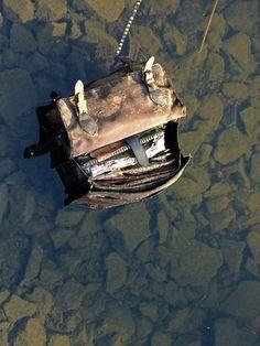 Tasche im Wasser