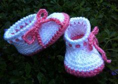 Crochet Baby Girl Boots by BettyBoopCrochet on Etsy.