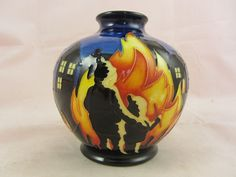 MOORCROFT POTTERY BONFIRE NIGHT TRIAL VASE 1ST/BEST QUALITY BOXED