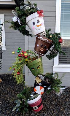 Christmas Topsy Turvy Pots, Clay pots, Christmas clay pots, Gingerbread man, Grinch, Santa, Penguin, Snowman  #Christmas #christmas  #christmasdecor #christmascrafts #topsyturvy #grinch #gingerbreadman #santa #penguins #snowman Amazon Christmas, Christmas Snowman, Christmas Christmas, Christmas Ideas, Homemade Christmas Gifts, Christmas Projects, Christmas Wreaths, Christmas Ornaments, Modern Christmas