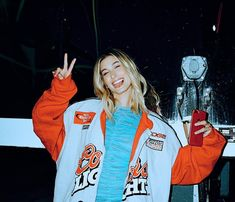 Hailey Baldwin opens up in an interview with W about all things beauty, from CBD and face masks to her meditation routine and how she copes with anxiety. Estilo Hailey Baldwin, Hayley Baldwin, Hailey Baldwin Style, Beauty And The Beat, Sexy Girl, Famous Women, Girl Crushes, Adidas Jacket, Beautiful People