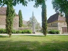 To sale - In the Bearn 16th & 18 th century chateau for sale with vineyard - Emile Garcin Biarritz