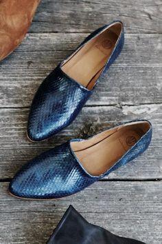 Padu Flats (Navy) – Shoes – Amour Vert