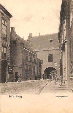 Den Haag, ca 1900, Gevangenpoort. Nog volop omringt met bebouwing. The Hague Netherlands, Delft, Beards, Holland, Amsterdam, Dutch, Toe, Black And White, City