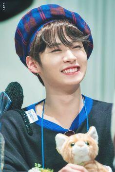 Lee Minho Stray Kids, Lee Know Stray Kids, K Pop, I Know You Know, Lee Min Ho, Kpop Boy, South Korean Boy Band, K Idols, Baby Photos