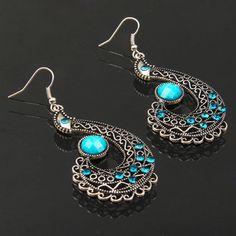 Unique Design Elegant Vintage Hollow out Peacock Shape Gemstone Earrings ( Blue )(Blue)