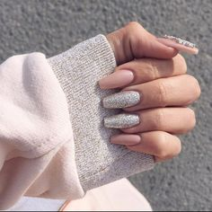 #AcrylicNails